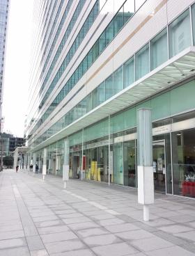コンカード横浜のエントランス