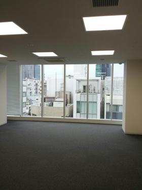 ACN神田須田町ビルのエントランス