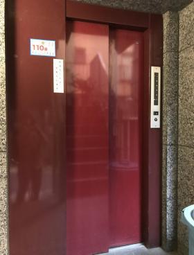 赤札屋ビルの内装