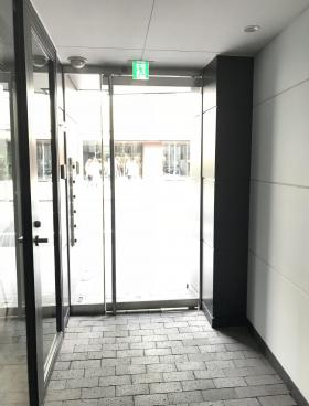 青山江崎ビルの内装