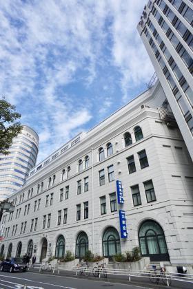 日証館ビルの外観写真