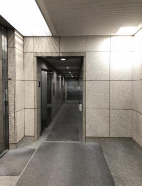 共同(室町1丁目)ビルの内装