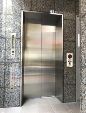 第7アカギビルの内装