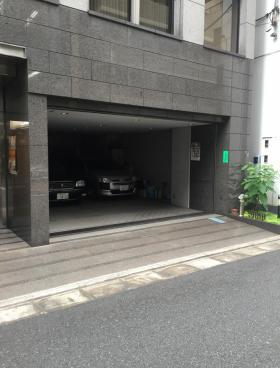 鈴善ビルの内装
