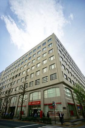 新日石ビルの外観写真