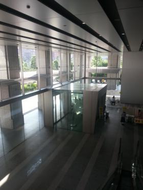 品川グランドセントラルタワーのエントランス