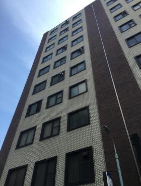一新ビルの外観写真