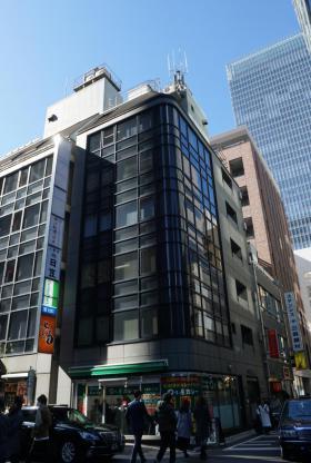 日宝八重洲ビルの外観写真