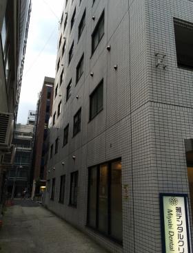 八重洲鈴木ビルのエントランス