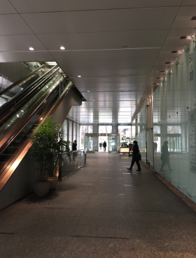 新宿野村ビルの内装