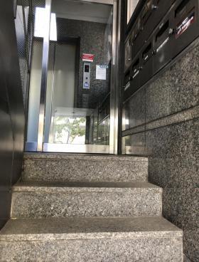 三田東門ビルの内装