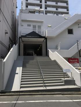 高田馬場ヒルサイドパレスビルのエントランス