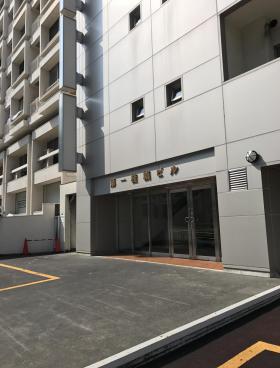 第1桂城ビルのエントランス