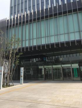 横浜三井ビルディングのエントランス