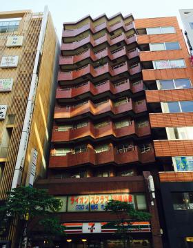 新宿ダイカンプラザB館の外観写真