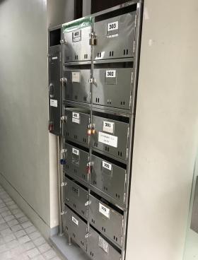 MI新宿の内装