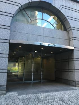 笹塚センタービルのエントランス