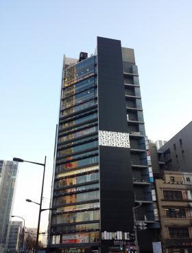 デュープレックス銀座タワー5/13ビルのエントランス