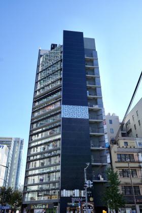 デュープレックス銀座タワー5/13ビルの外観写真