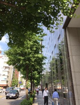 第3桜橋ビルのエントランス