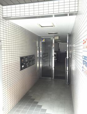 ES林ビルの内装
