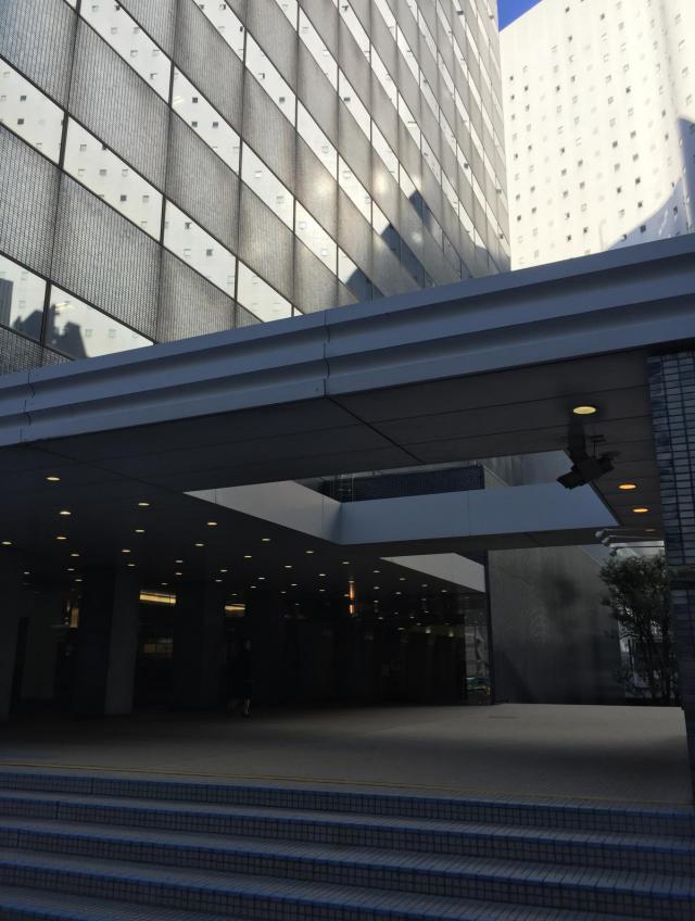 新宿三井ビルディング二号館のエントランス