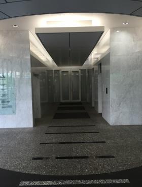 西新宿KSビルの内装