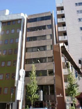 日伸ビルの外観写真