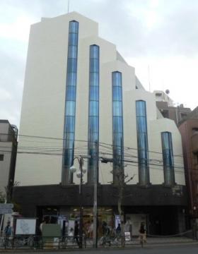 早稲田駅前ビルの外観写真