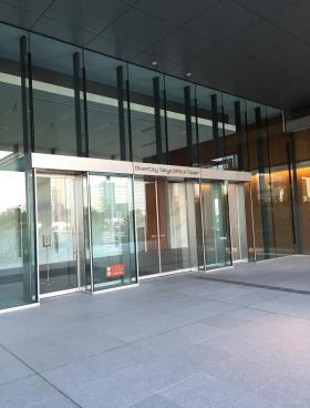 ダイバーシティ東京オフィスタワーのエントランス