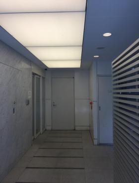 ユニゾ西新宿(旧クローバー西新宿)ビルの内装