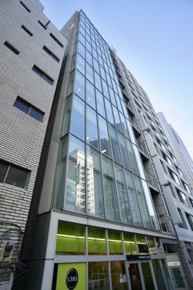 ユニゾ西新宿(旧クローバー西新宿)ビルの外観写真