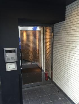 VORT渋谷桜丘(R-SAKURAGAOKA)のエントランス