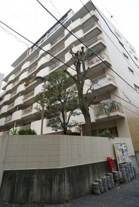 メゾンドール代々木ビルの外観写真