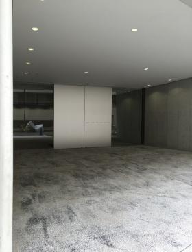 ユニゾ神田小川町三丁目のエントランス
