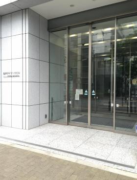 亀戸アイマークビルのエントランス