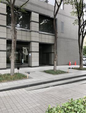 ゴールドクレスト菊川ビルのエントランス