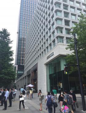三菱ビルの内装