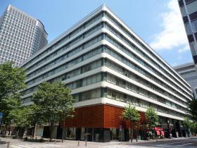 新東京ビルのエントランス