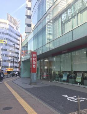 NEX新宿ビルのエントランス