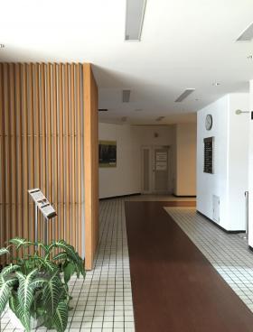 江間忠晴海ビルの内装