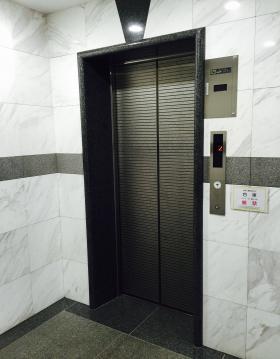 ヨシダFGビルの内装