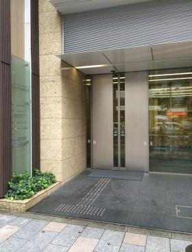 HF神田小川町ビルディング(旧神田小川町トーセイビルⅡ)のエントランス