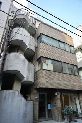 黒子ビルの外観写真