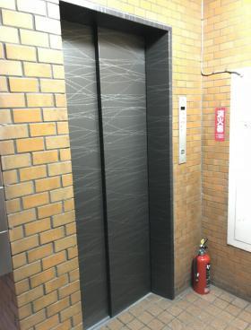 カツハタビルの内装