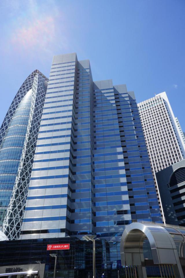 新宿エルタワーの外観