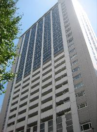オランダヒルズ森タワーのエントランス