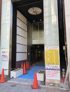 上野C-road Bldgのエントランス
