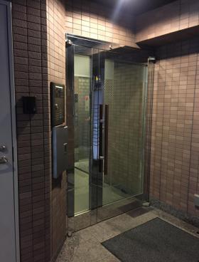 九段岡澤ビルの内装