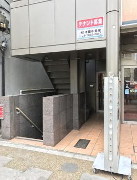 上野Mビルの内装